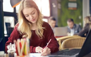 What is the difference between academic writing and reading?