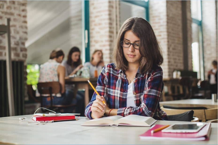 Difficulties & Problems Students Face Writing Academic Papers